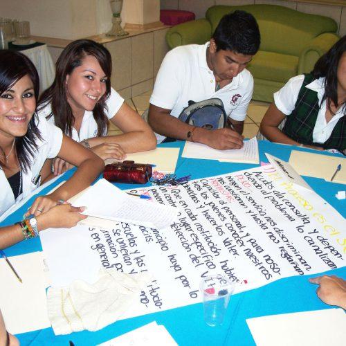 foro-jovenes-y-los-servicios-de-salud-2010-038